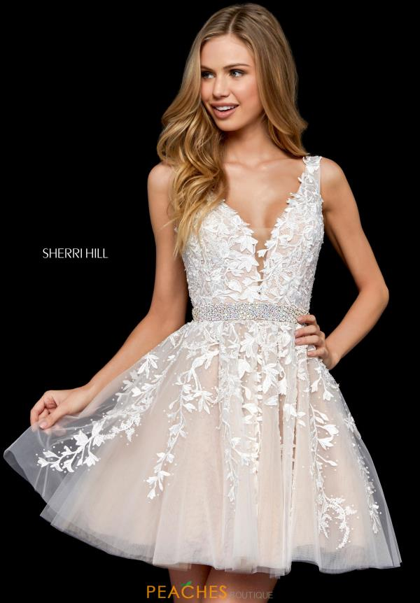 10 Tips on Finding the Perfect Homecoming Dress